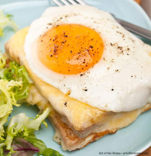 Croque madame recipe with the slice of gruyère on top