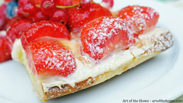 Fruit Tarts and Pies: How to Prevent a Soggy Crust?