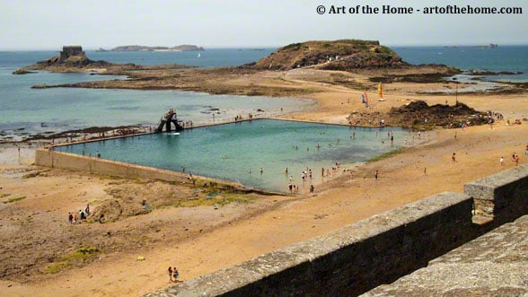Salty pool in St Malo, France