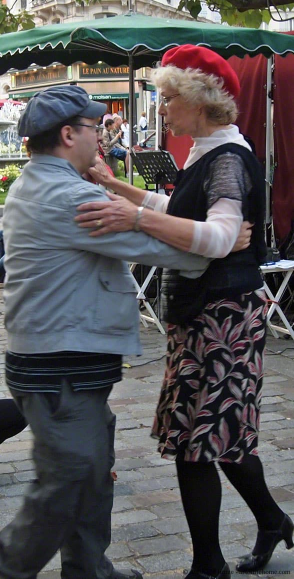 Pictures of Paris, France: street dancing