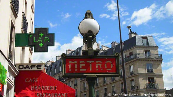 Paris public transportation: Metro sign