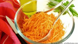 Grated carrots salad